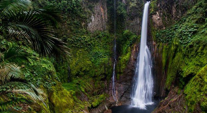 Breaking the routine: Del Toro Waterfall, Bajos del Toro